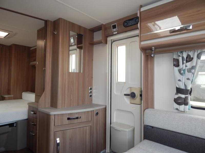 2016 Swift Challenger 580 07.JPG